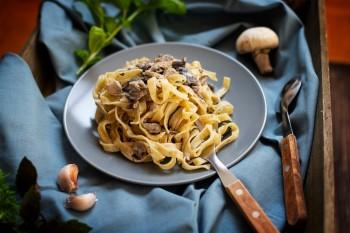 Fettuccine Nidi com ovos com Funghi Porcini