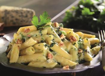 Penne Rigate com gorgonzola e espinafre