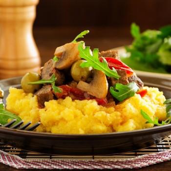 Polenta com Ragu de Carne